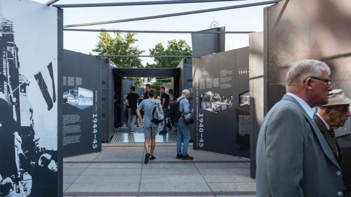 modułowe systemy wystawiennicze projekt wystawy mobilna generał maczek zwiedzający