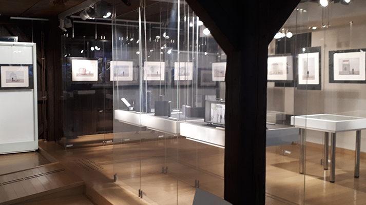 modułowe systemy wystawiennicze realizacja muzeum papieru duszniki szklane gabloty konsole